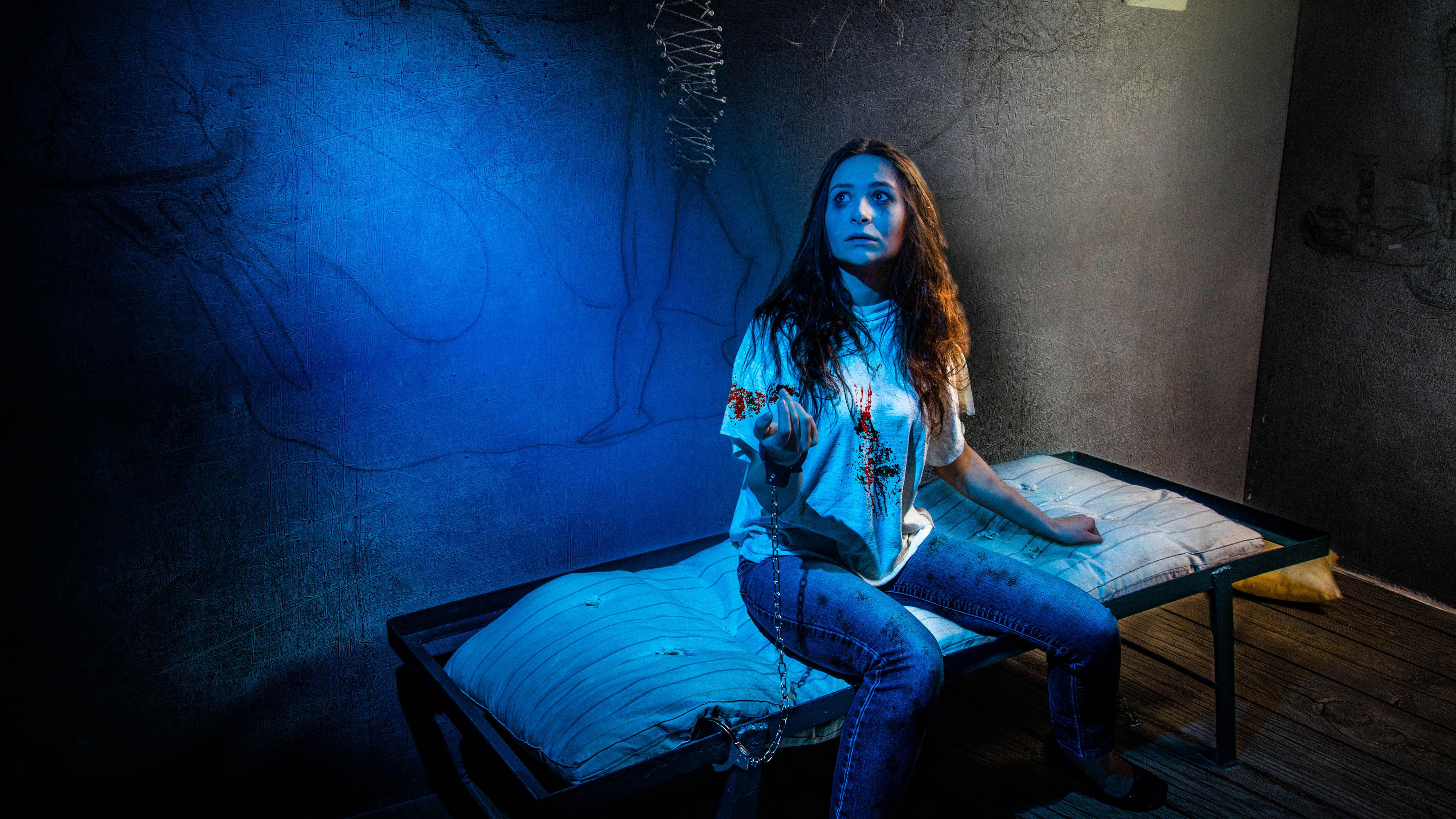 1 Фото квест комнаты Тайная личность в городе Киев