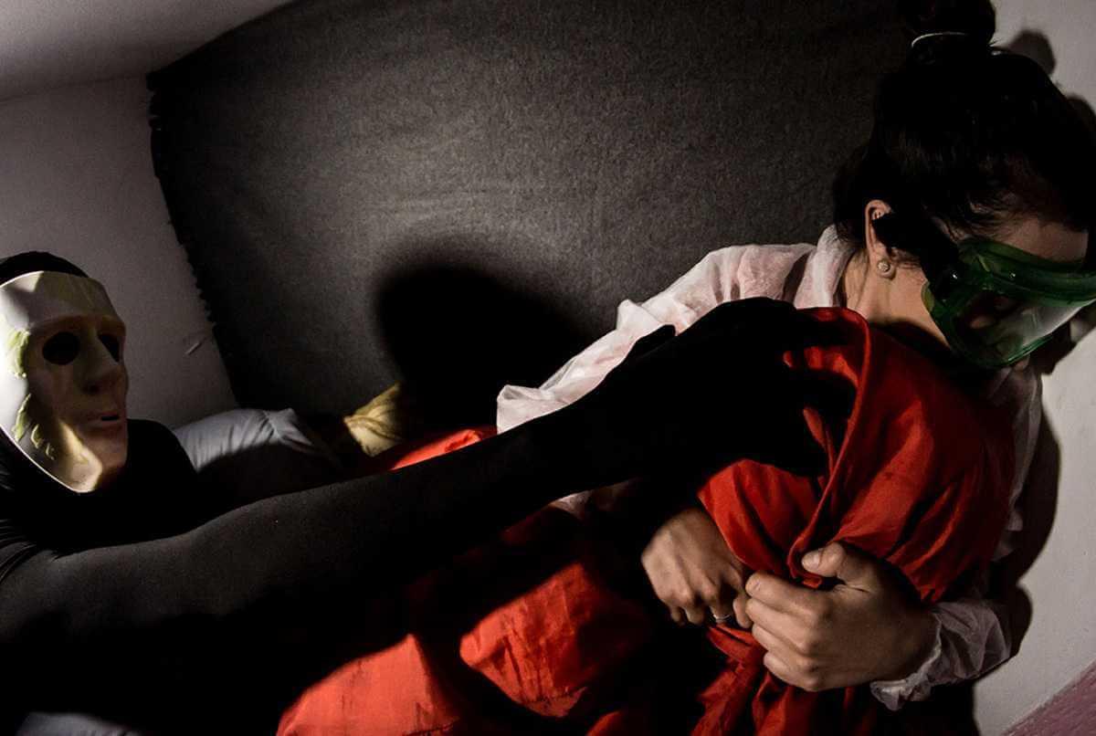 2 Фото квест комнаты Прятки в темноте в городе Днепр