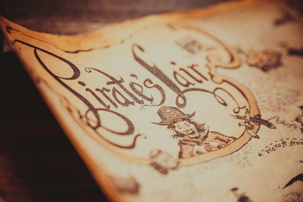 Картинка квест комнаты Пиратское золото в городе Днепр